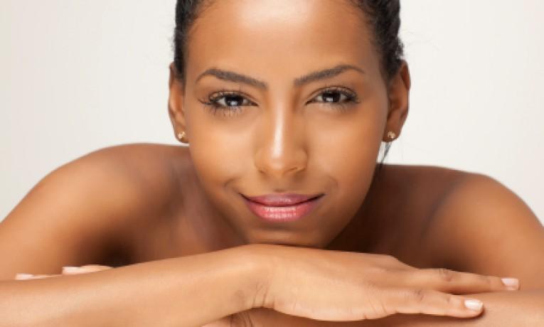 istock-photo-black-skin-woman-6atvtwrtyygqnpoddg4zx6lyqqh8noh99z4ccwf832i